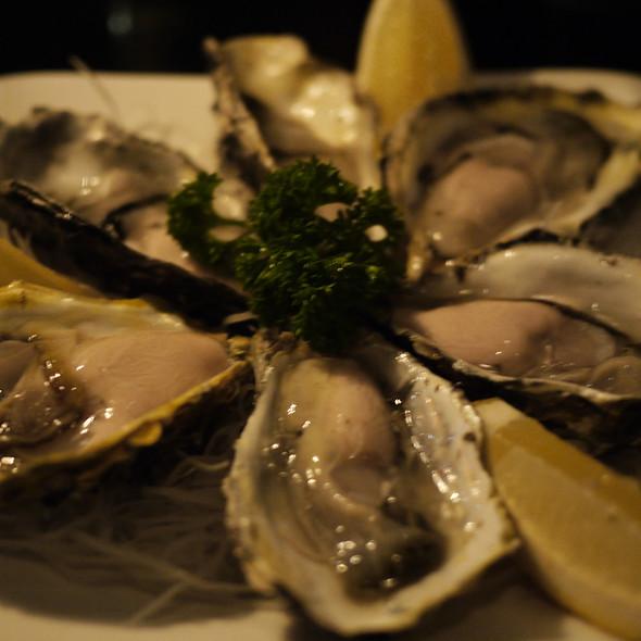 Oysters @ Naga