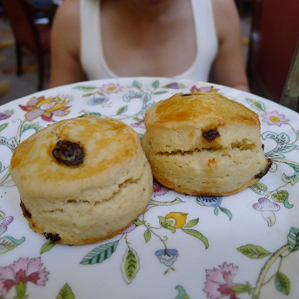 Scones @ The Peninsula Manila