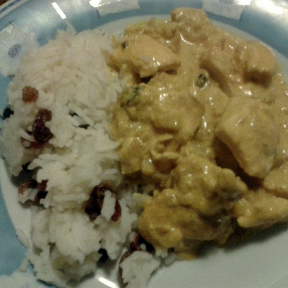Chicken with Curry Sauce and Basmati Rice