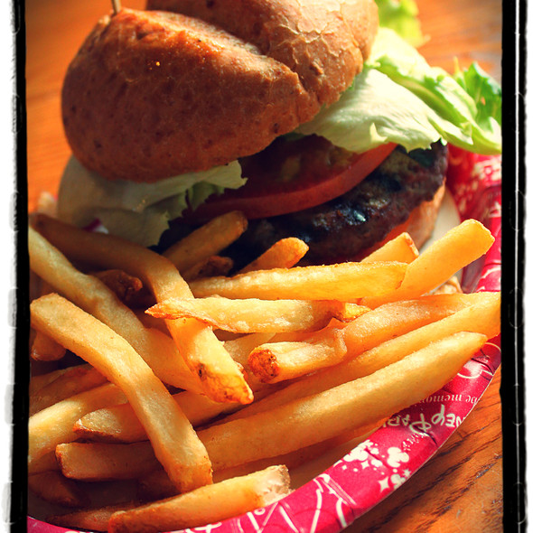 Angus Burger with Fries @ Backlot Express