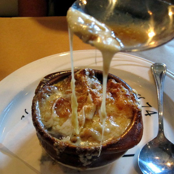 French Onion Soup @ Painters'