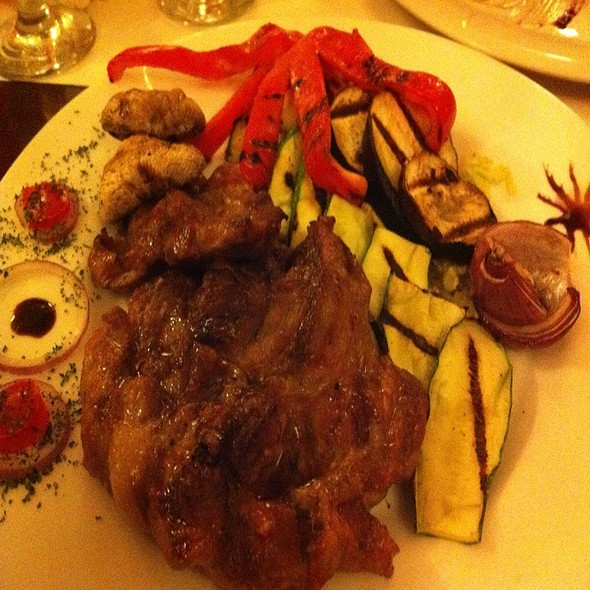 Grilled Pork With Vegetables @ Art Club