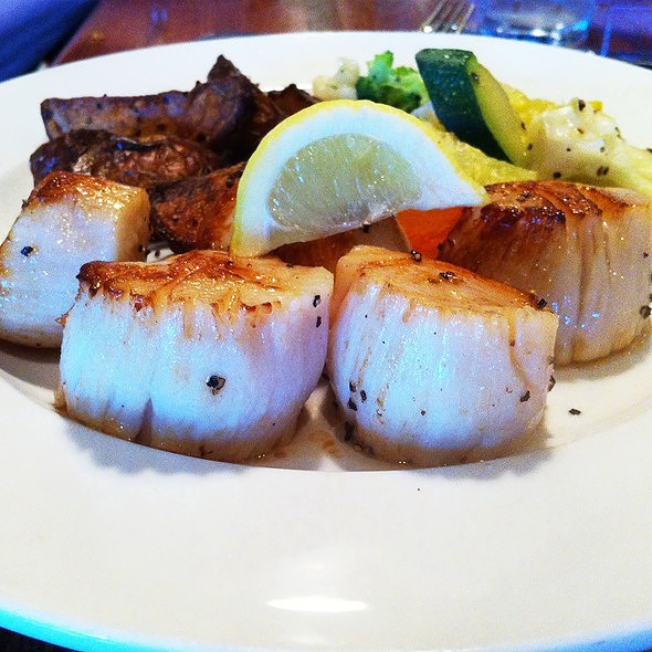 Seared Sea Scallops @ Crocodile Ed's Grill & Fish Market