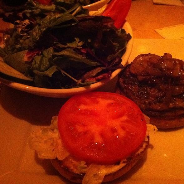 Skinnylicious Turkey Burger @ The Cheesecake Factory