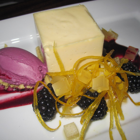 Lemon Cheesecake @ Pure Food & Wine