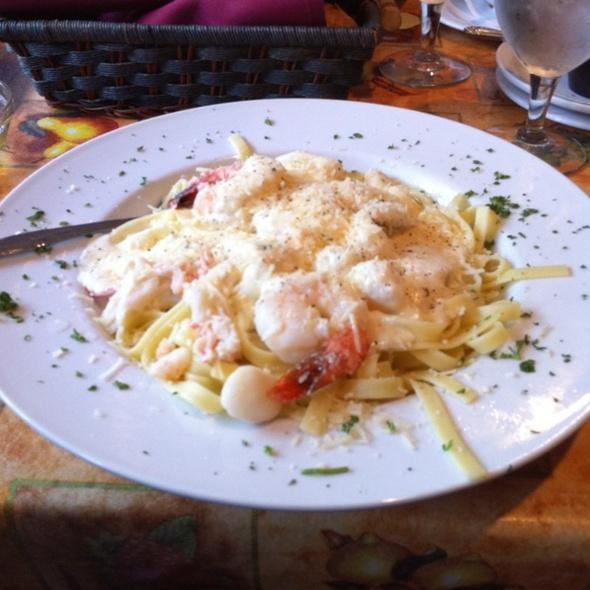 Seafood fettucini @ Pellegrino's Italian Kitchen