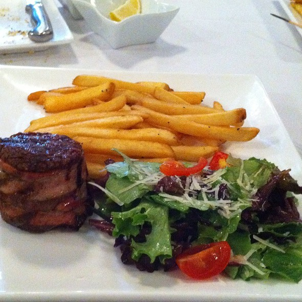Petit Filet Minion @ August E's