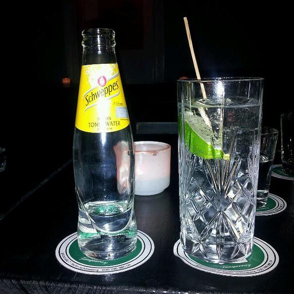 Gin Tonic @ salut!