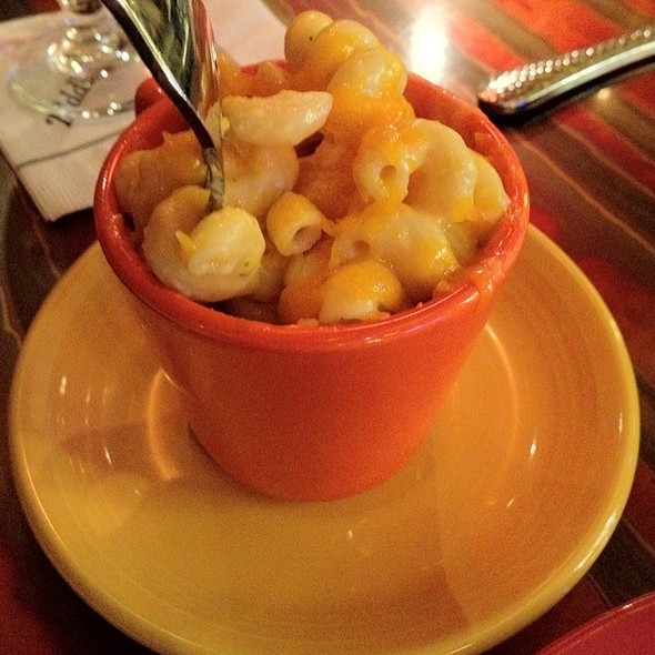 Aunt Bea's Housemade Mac And Cheese @ Sweet Lorraine's Cafe & Bar