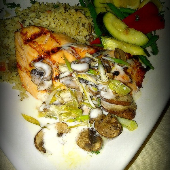 Grilled Atlantic Salmon @ HS Lordship's Restaurant