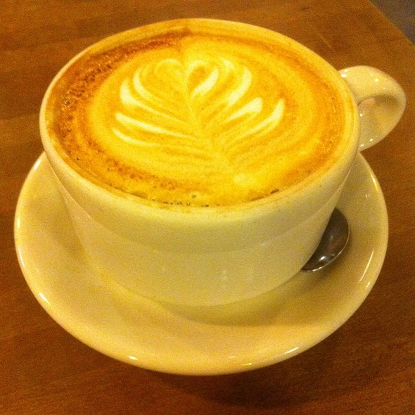 Cafe Latte @ The Commonplace Coffeehouse