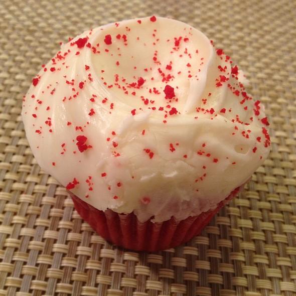 Red Velvet Cupcake @ SusieCakes