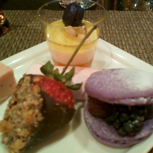 Dessert @ Wicked Spoon Buffet At The Cosmopolitan