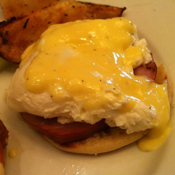 Eggs Benedict - Mia Bella Trattoria - Green Street, Houston, TX