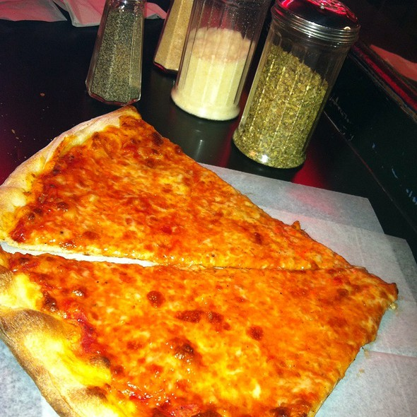 Slice Of Cheese Pizza @ Arinell Pizza Inc