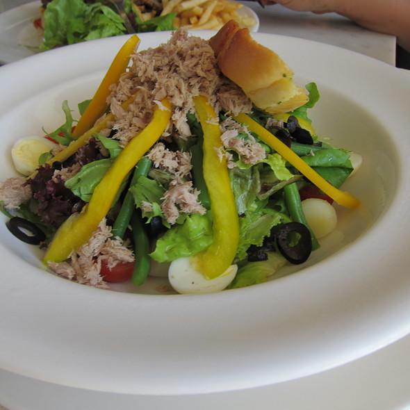 Tuna Nicoise Salad @ Potato Head Bali