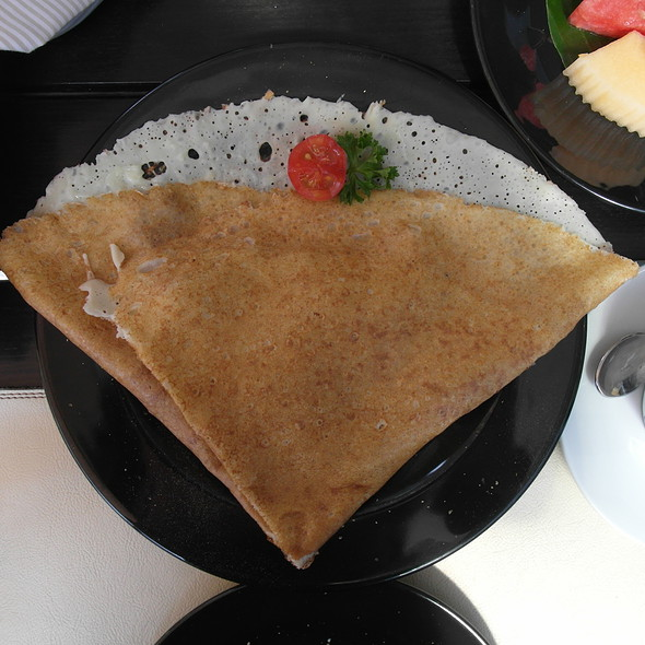 Chasseur @ Crepes & Co. Thonglor