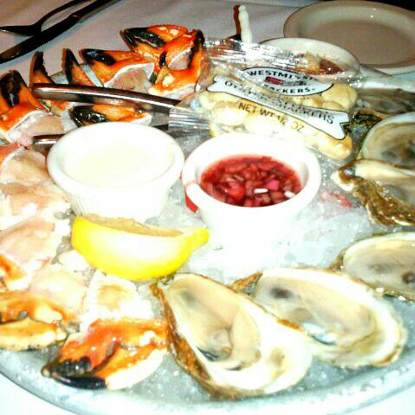 Seafood Raw Bar @ Old Ebbitt Grill