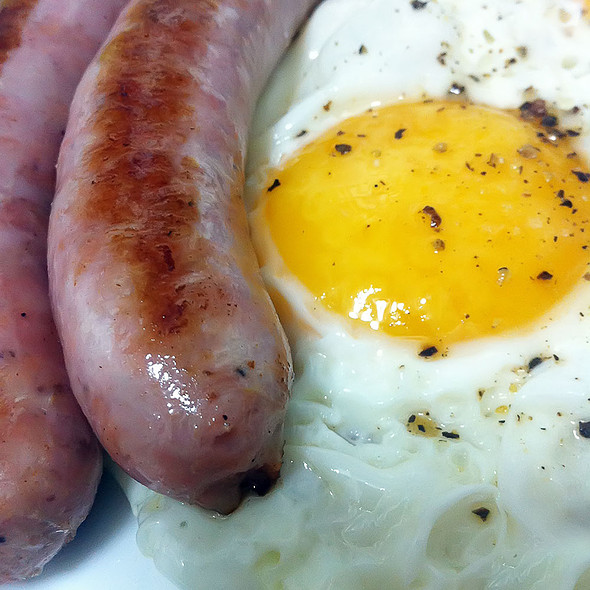 Eggs & Sausages @ Tomate y Langostino