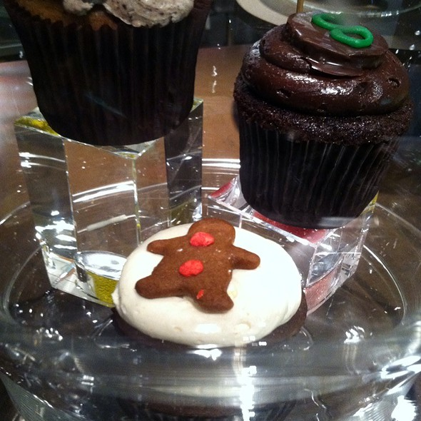 Gingerbread Cupcake @ Buzz Bakery