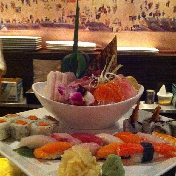 Sushi @ Sakura Garden