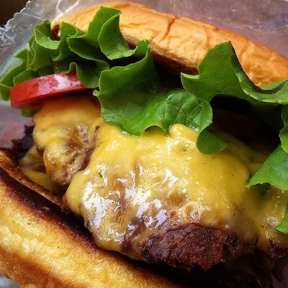 Burger @ Shake Shack