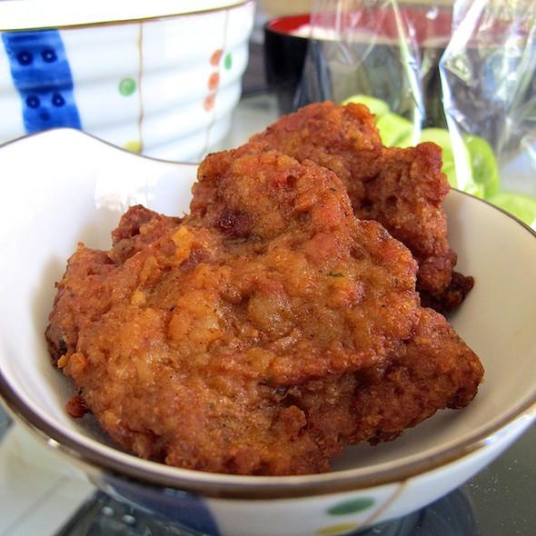 หมูสับทอด   Deep Fried Minced Pork @ food stalls @ entrance to soi ramkhamhaeng 36