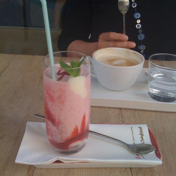 Strawberry Yogurt @ Cakefriends AG