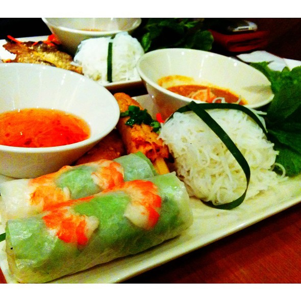 Taste of Saigon @ Wrap & Roll