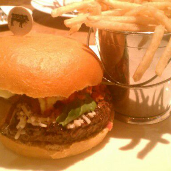 Gold Standard Burger @ Holsteins at The Cosmopolitan