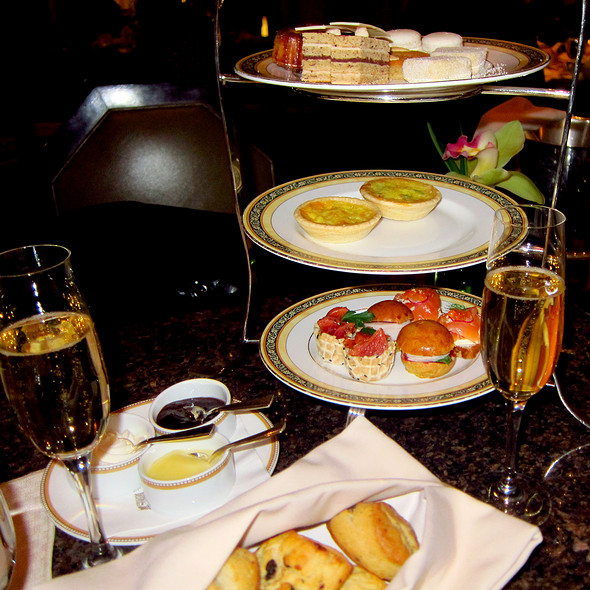 Champagne Afternoon Tea @ The Lobby at The Peninsula