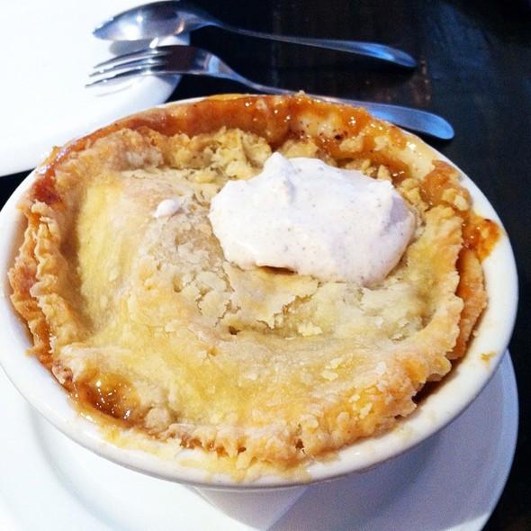 Apple Pie @ Hay Market Willow Glen