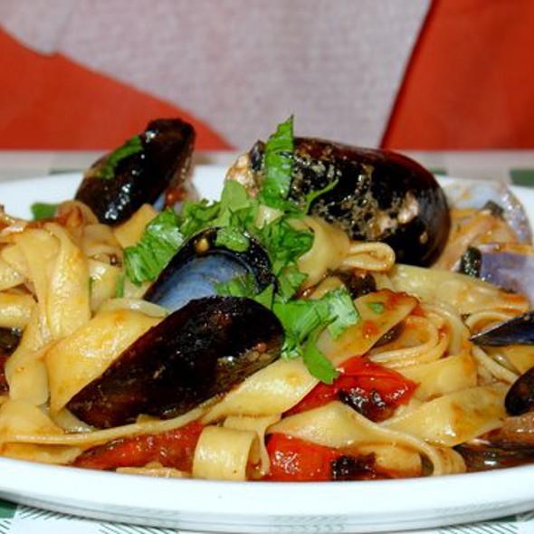 Seafood Pasta @ Trattoria Vecchi Sapori