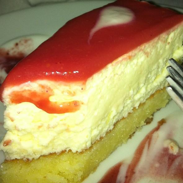 Cheese cake @ Famiglia Mancini Cantina