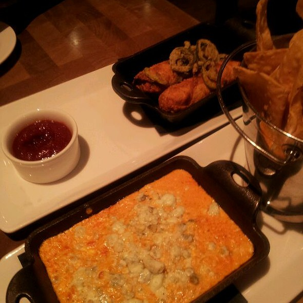 Philly Cheesesteak Eggrolls And Buffalo Chicken Dip @ Holsteins at The Cosmopolitan