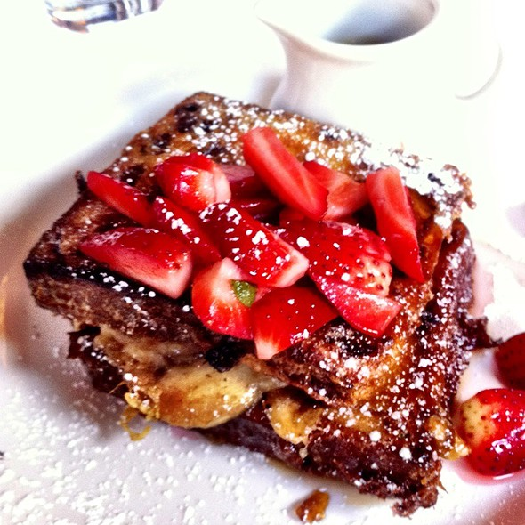 Caramelized Banana And Strawberry French Toast - Isabella's, New York, NY
