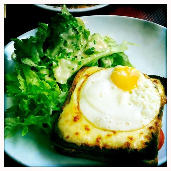 Croque délice avec salade @ Le Louis IX