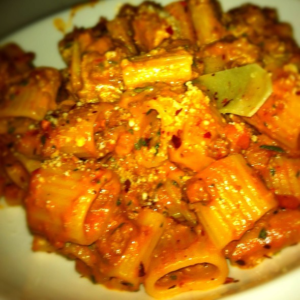 Rigatoni With Bolognese