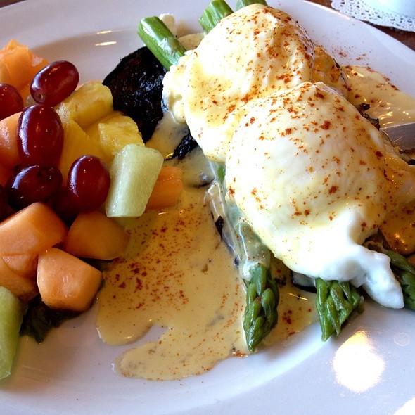 Portobenny @ Brunch Cafe Fox River Grove