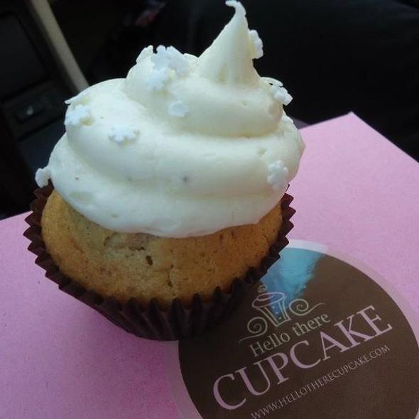 Eggnogg Cupcake @ Hello There Cupcake