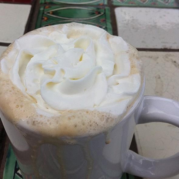 White Mocha @ Pannikin Coffee & Tea