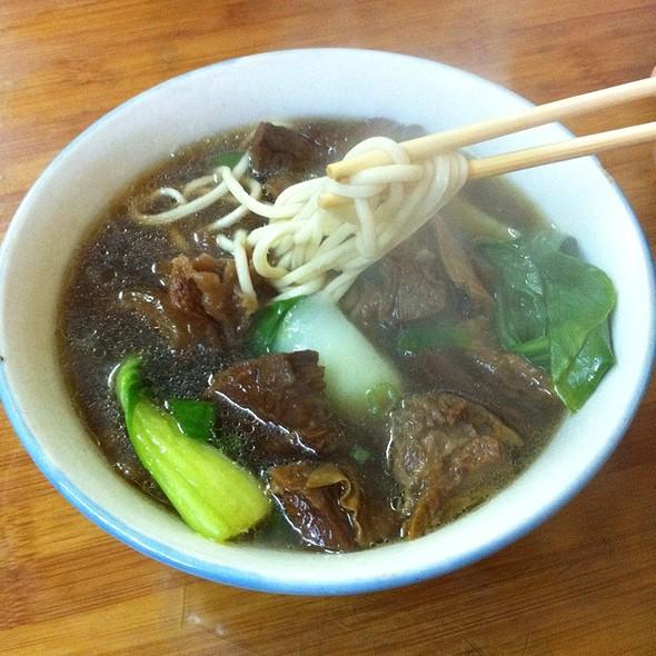Beef brisket noodle soup @ Lam Zhou Handmade Noodle
