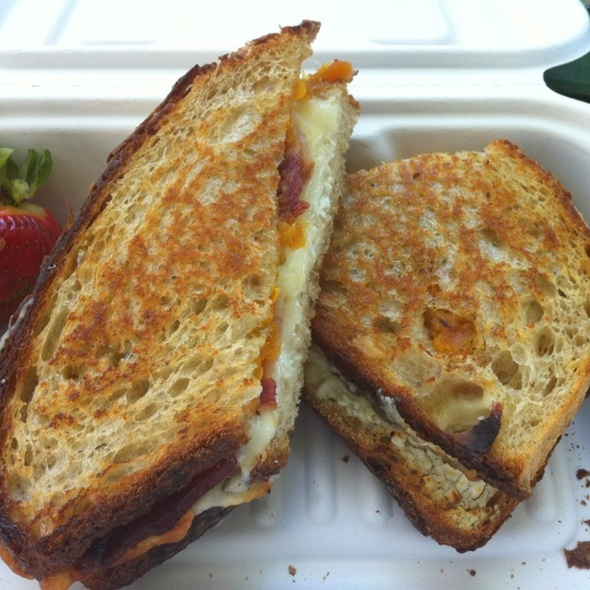 Jalapeño Popper @ The American Grilled Cheese Kitchen