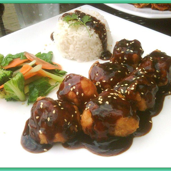General Tso's Chicken @ Zyng Asian Grill