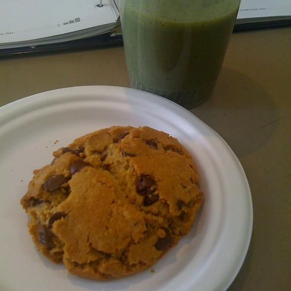 Gluten Free Chocolate Chip Cookie & Dinosaur Smoothie @ Wildflour Bakery & Juice Bar