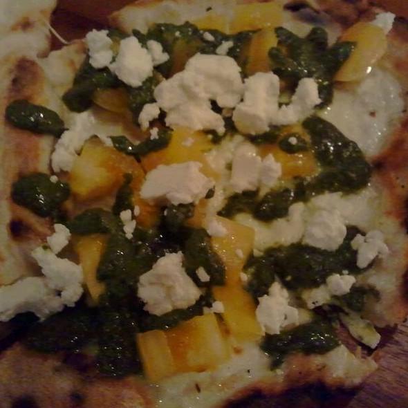 Pizza - Oro @ Oro Pomodoro