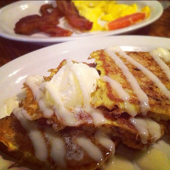 Cinnamon Streusel French Toast Breakfast @ Cracker Barrel Old Country Store