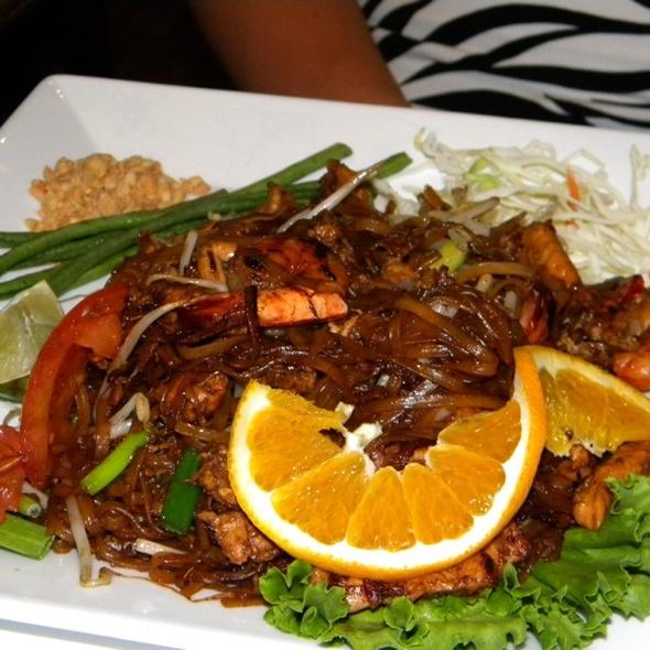 Pad Him-Ma Parn with Shrimp - Bangkok Thai on Main, Park City, UT