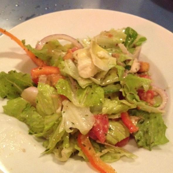 garden salad @ Za Pizza
