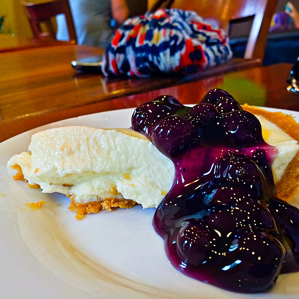 Blueberry Pie @ Joma Bakery Cafe